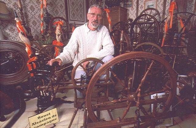 Gérard parmi ses rouets